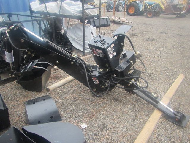 Used Tractor Tires For Sale >> Backhoe with Hydraulic Thumb - Keno Tractors
