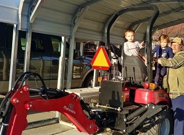 Mahindra eMax 20s Hydrostat Tractor