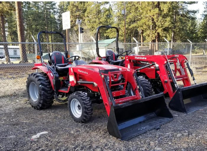 Mahindra 1626 Shuttle with FEL