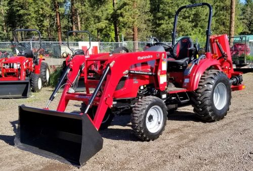 Mahindra 1635 Tractor with FEL