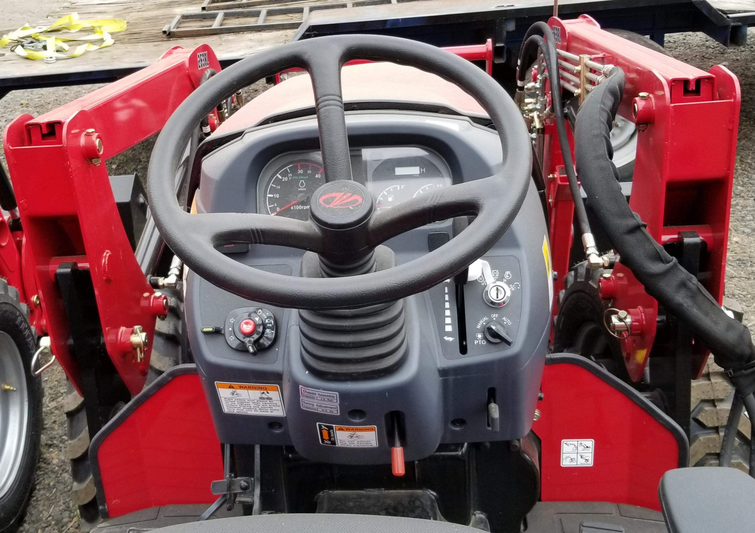 Mahindra 2638 HST Tractor with FEL - Keno Tractors