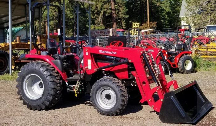 Mahindra 2645 Shuttle Tractor with FEL