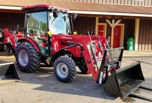 Mahindra 2638 Cab Tractor Loader