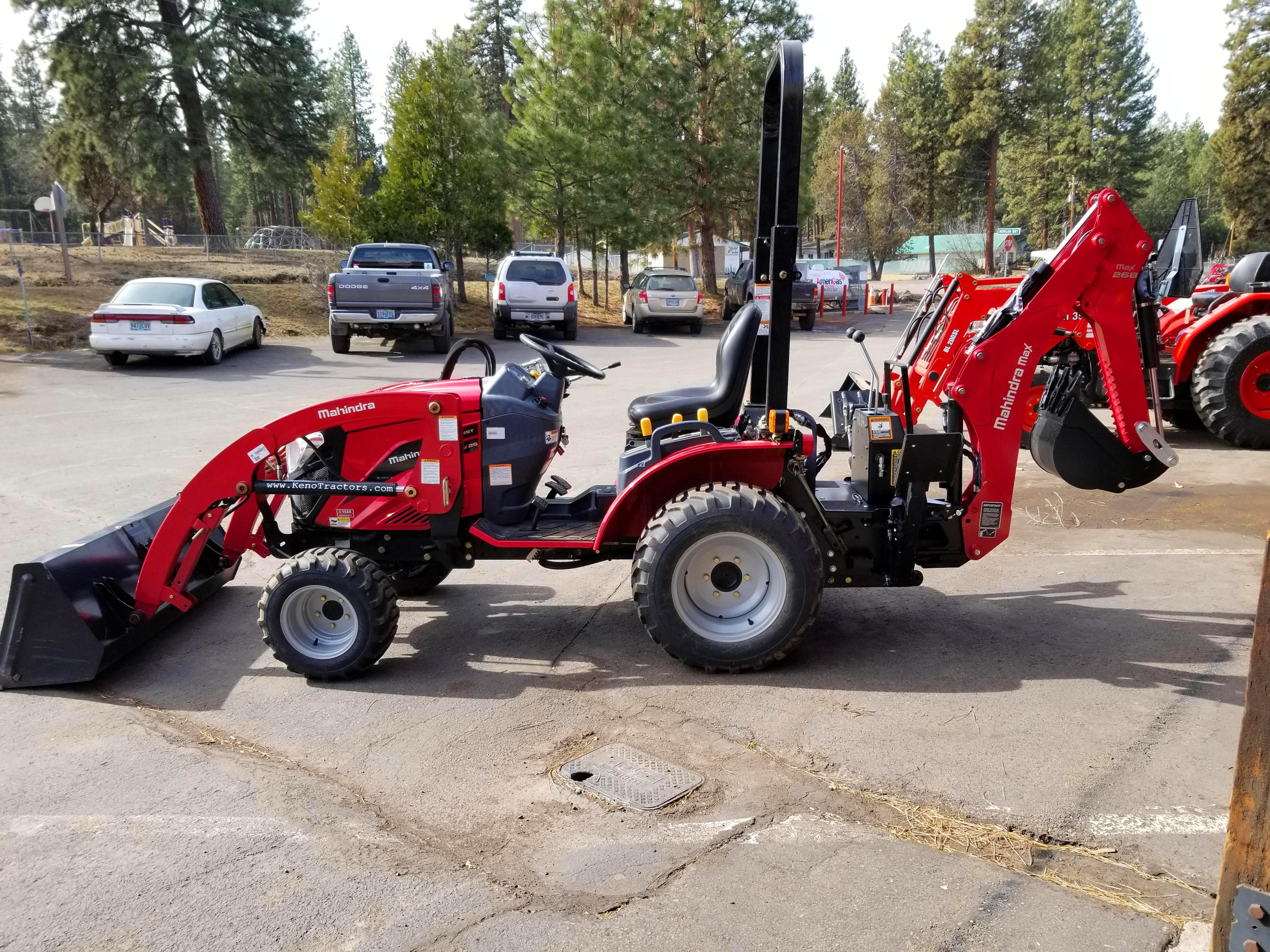 eMax 25 with FEL and Backhoe