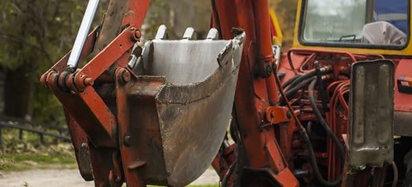 difference between backhoe and excavator